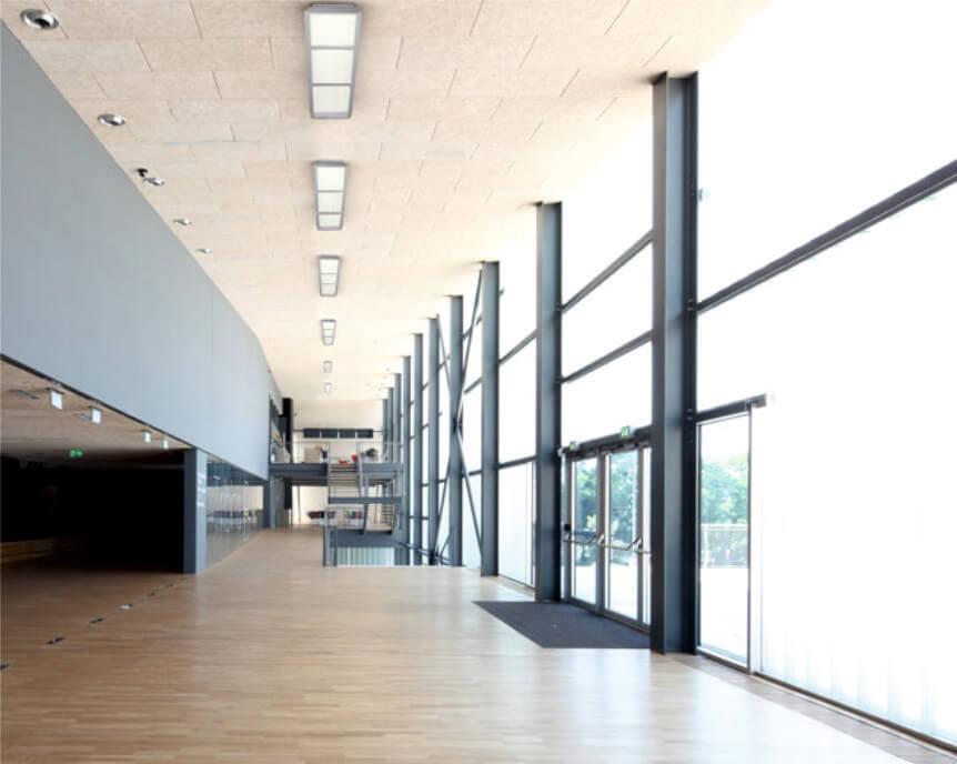 luminaria lineal superficie para grandes alturas