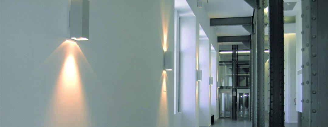 Proyectos de iluminación arquitectónica donde el diseño y fabricación de luminarias influyen en la percepción de la arquitectura