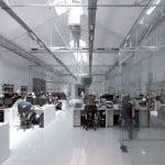 Iluminación oficina con modelos cardan empotrados y en superficie