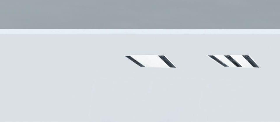Pantalla led 60x60 con óptica parabólica para oficinas