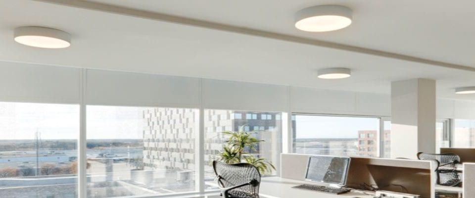 Luminaria circular en superficie Scala para iluminación de oficinas
