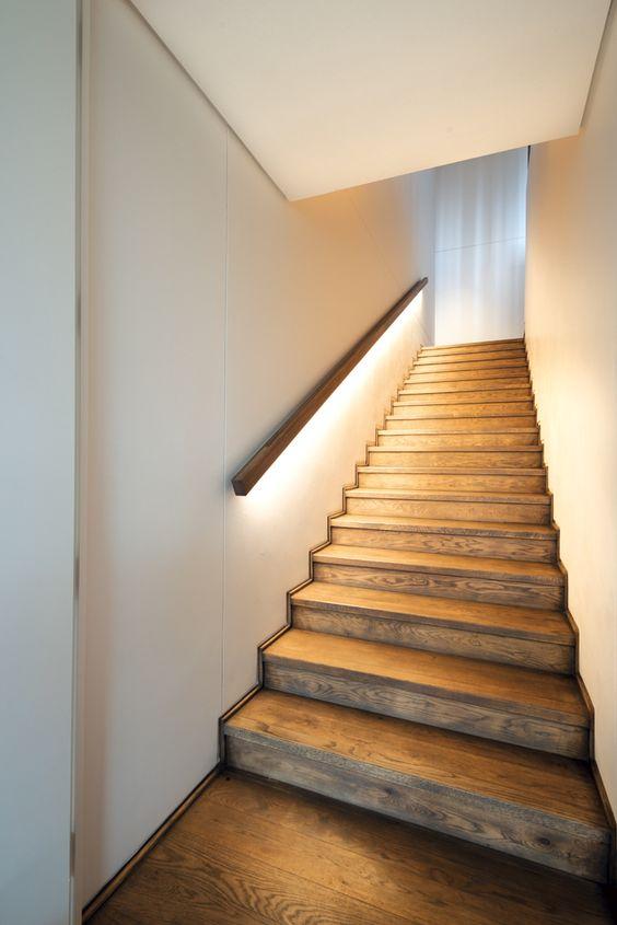 iluminación para escaleras de casas