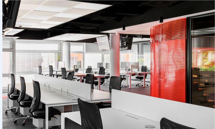aprovecha la luz natural en oficinas